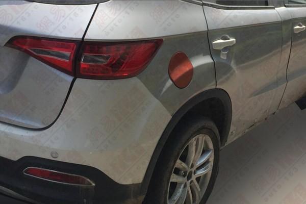 奔腾X60路试曝光 定位小型SUV明年上市高清图片